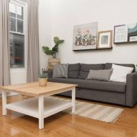 Central Toronto 2 Bedroom Flat