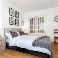Broadhurst House Deluxe Room 2