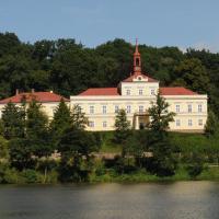 Penzion Zámek Rozsochatec