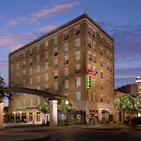 La Salle Boutique Hotel and 120 Kitchen & Spirits