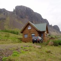 Vindheimar Holiday Home