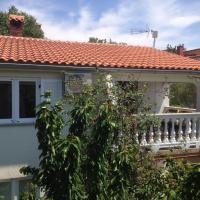 Apartment and Studio Jelušić