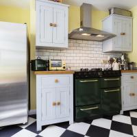 Veeve - Three Bedroom House in Hampstead Garden Suburb
