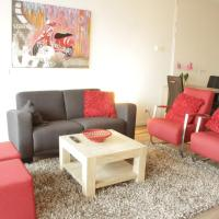 570 Calypso Centre Apartment with Private Parking *Non Smoking*