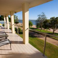 Lake Boga Waterfront Holiday House