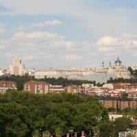 Skyline Madrid Apartment