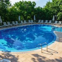 Odessos Park Apartments (Free Pool & Parking)