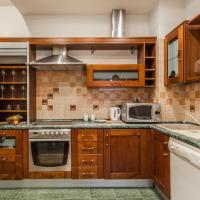 Shaulis Apartment on 13 Liniya V.O.