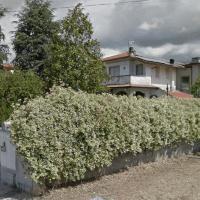 Accogliente Villetta Con Giardino