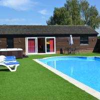 The Pool House @ Upper Farm Henton