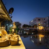 Canale Hostel