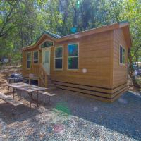 Lake of the Springs Camping Resort Cottage 4