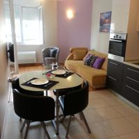 Near Beach Apartment Reno with Private Parking