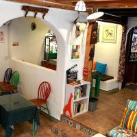 LiJiang Elephant Intersecton Coffee Guesthouse