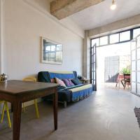 Stylish Art House Palmeti