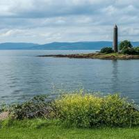 Immaculate Largs Centre Apartment