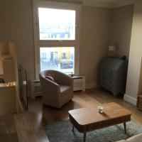 Bright & modern 2bed in Earls Court