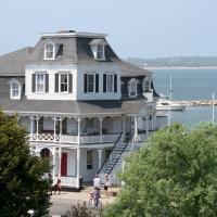 Inn at Old Harbor