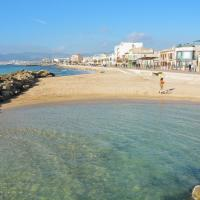 28 Townhouse 200mts from sea/beach