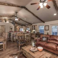 Cowboy Cabin Two-bedroom Holiday Home