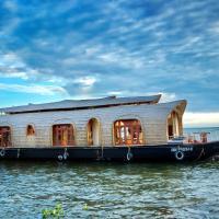 Aqua Castle Houseboat - by Aqua Jumbo Houseboats
