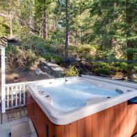 Pier Street Old Brockway Classic with Hot Tub