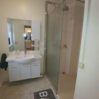 Björk-Inn Apartments & Rooms
