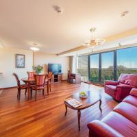 Leo Sea View Apartment