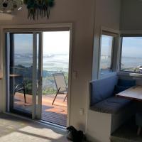 Sea Views & Luxury Apartment