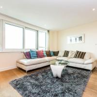 Luxury modern 2BD flat in centre