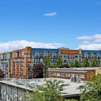 2 Bedroom Bright Belltown Oasis