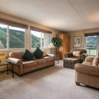 Evergreen Lodge 705