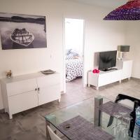 Lo's Beach Apartment