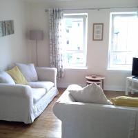 Sunny Leith Apartment