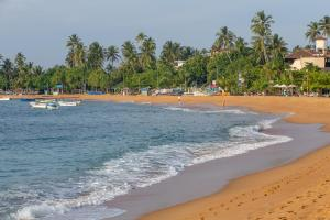 Image of Unawatuna Beach