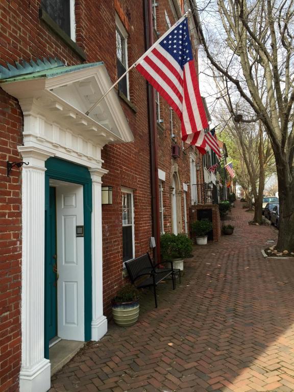 Hampton Inn Alexandria, VA - Booking.com