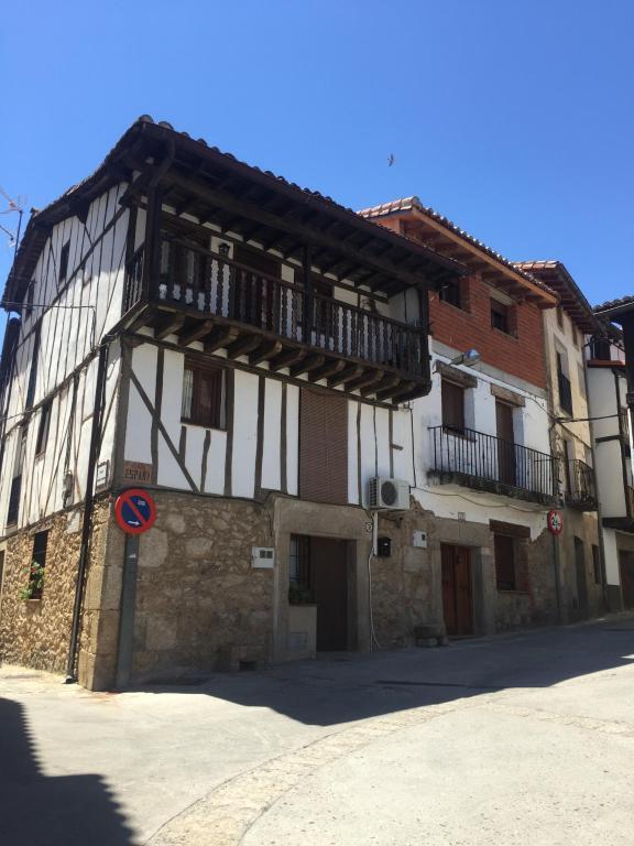 Madrigal de la Vera şehrinin gezgin fotoğrafı