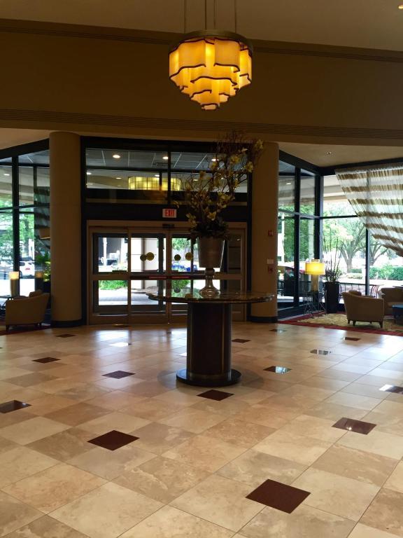 Hilton Garden Inn Tysons Corner, VA - Booking.com