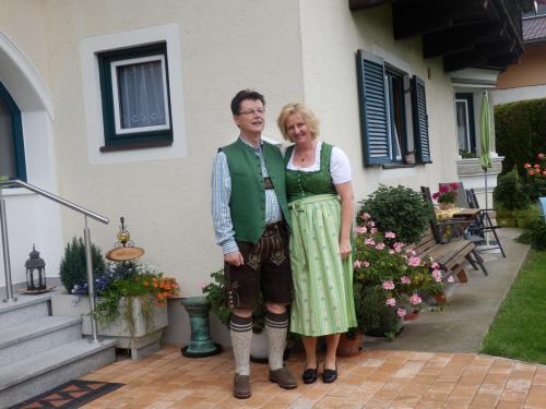 herzlich willkommen heissen Sie, Margit und Wolfgang Auer