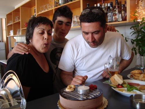 Evgenia, Anastasis, Giannis
