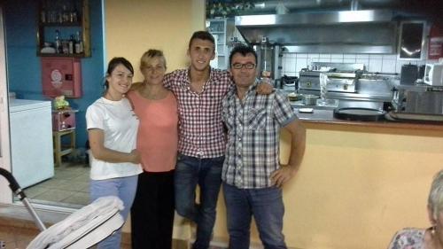 Bekiris family  Kristina,Daisy,Daniel,Kostas
