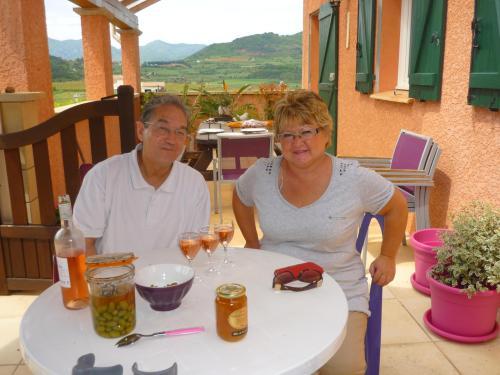 Brigitte et Jean-pierre vous accueille au Gite de Cristal