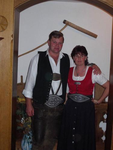 Ihre Gastgeber Franz und Resi Kostenzer
