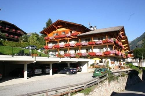 """Gästehaus ,,der Alpenhof"""" Bed and Breakfast"""