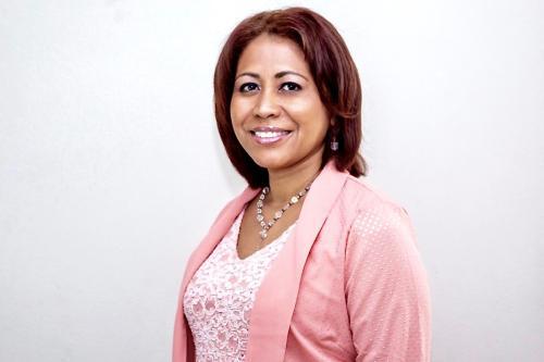 Zenaida Moya, Manager