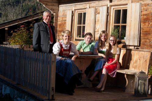 unsere Familie: Johanna, Josef, Julia, Michael, Magdalena