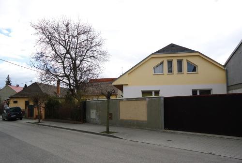 564c060b1e Apartmány XLSuite sú situované v pokojnej časti centra Piešťan