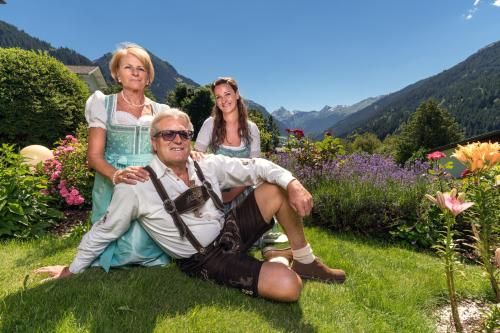Theresia ,Isabell und Gerhard